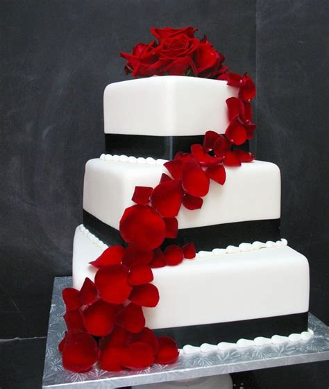 Black Wedding Cake Flowers by 39 Best Lost Of Neverland Images On