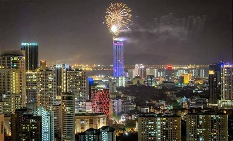 new year in penang file 2018 new year fireworks in george town penang jpg
