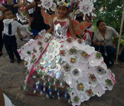 traje xe reciclado desfile de trajes de reciclaje en comayagua hondudiario