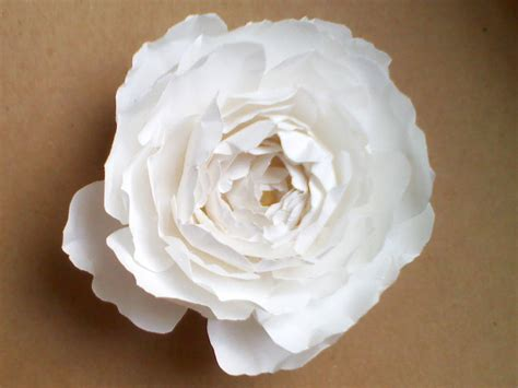 Paper Flower - omg my diy wedding easy paper flower tutorial