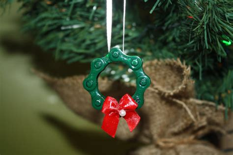 guest post bike chain ornaments bicitoro bikes and crafts