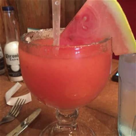 watermelon margarita on the border on the border grill cantina order food