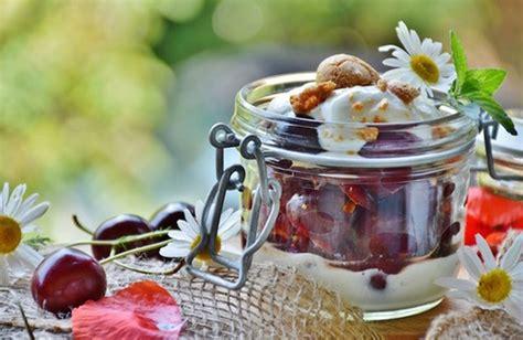 come si fa lo yogurt in casa yogurt greco fatto in casa la ricetta cure naturali it