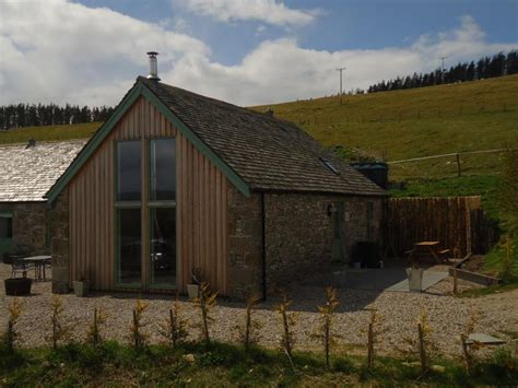 the grain store friendly cottage in the cairngorms