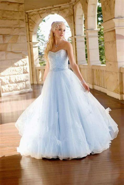 hochzeitskleid hellblau light blue wedding dresses munaluchi bride