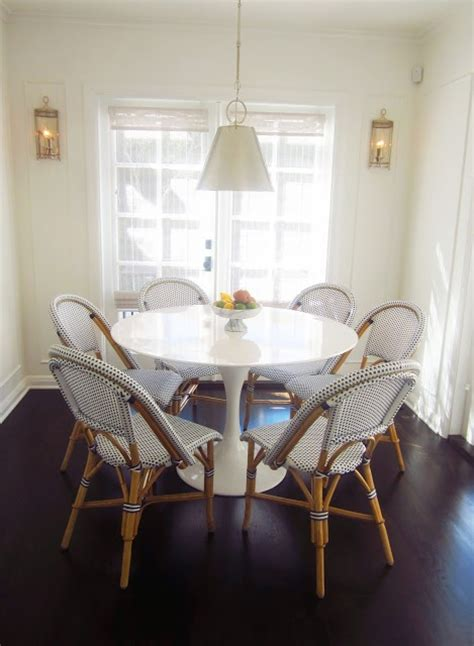 kitchen nook table and chairs eat in kitchen dining room breakfast nook saarinen tulip