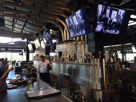 yard house cincinnati oh main room picture of yard house cincinnati cincinnati tripadvisor