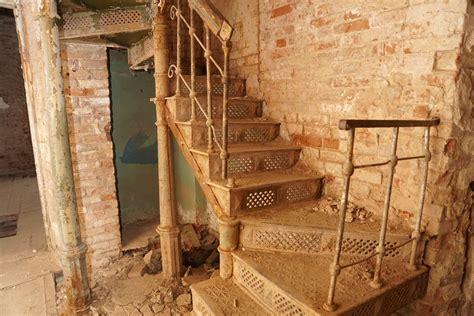 gambar kayu rumah lantai balok pondok kamar tangga