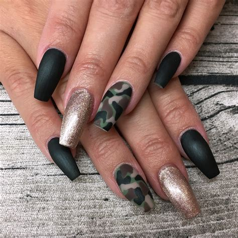 Nageldesign Nailart by Nail Inspiration Camouflage Nails Matt Versiegelt