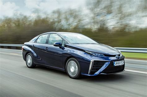toyota car recall toyota mirai hydrogen fuel cell software glitch prompts