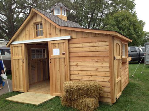 tiny barn   tiny horse wwwshedcraftcom chicken