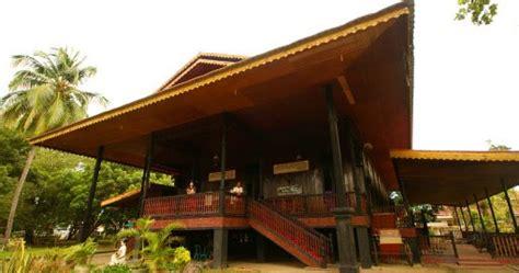 gadis bugis kebudayaan  provinsi gorontalo