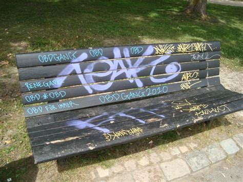 graffiti bench photo