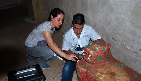 imagenes del jaguar jade identifican en esculturas de chich 201 n itz 193 cinabrio usado