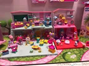 Cool Kids Rooms toy fair 2017 shopkins super mall new cutie cars