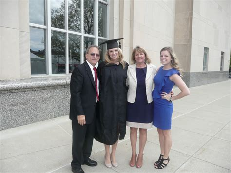Mba Graduation Pictures With Parents by Mba My Fisher Grad
