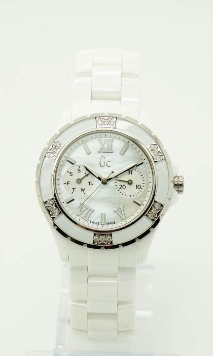 Guess Collection Gc Sport Class Ceramic X69105l1s guess collection ceramic gc sport class x69117l1s