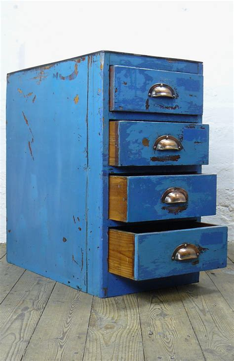 Looking For Chest Of Drawers Painted Vintage Factory Chest Of 4 Drawers Looking