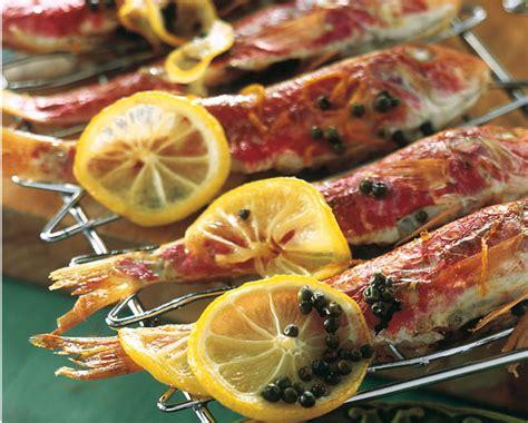 cucinare pesce al barbecue grigliate di carne pesce e vedure 20 ricette da cucinare