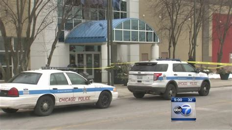 ford city chicago fired during robbery at ford city mall abc7chicago