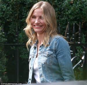 Cameron Diaz Is Offensive by Cameron Diaz Laughs And Jokes Around On Gambit Set In