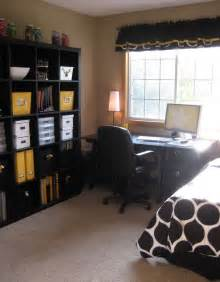 bedroom office office guest room combo not a fan of the color scheme but idea spare bedroom office
