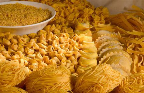 come cucinare la pasta fresca ricetta pasta fresca all uovo ricette di buttalapasta