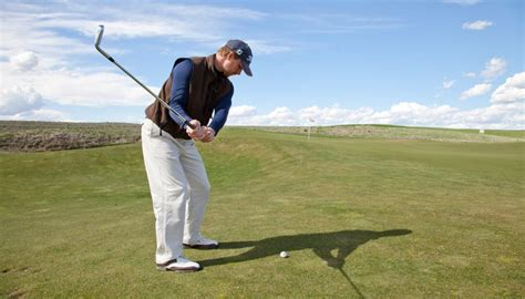 how to swing a pitching wedge how to use a pitching wedge golfweek