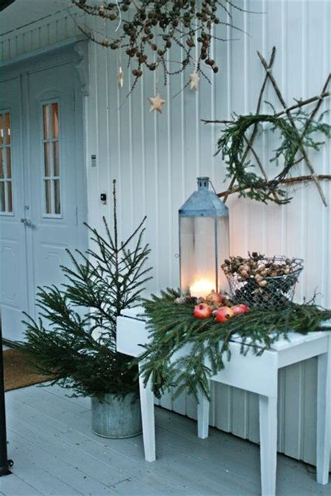 decorating with pictures ideas 40 comfy rustic outdoor christmas d 233 cor ideas digsdigs