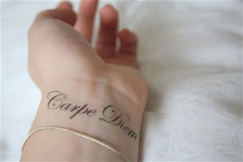 carpe diem tattoo wrist 138 carpe diem tattoos