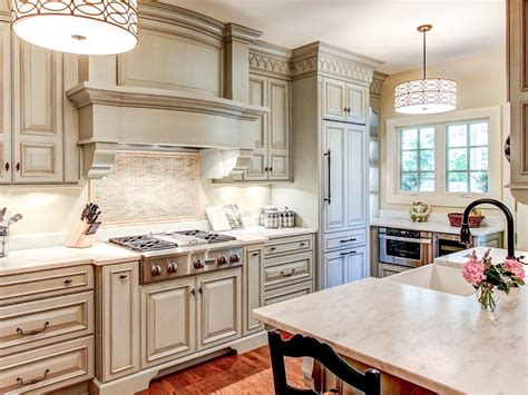cream colored cabinets with brown glaze cream colored cabinets home fatare