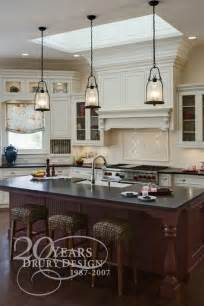 Lighting Over Island Kitchen by 1000 Ideas About Pendant Lighting On Pinterest Kitchen