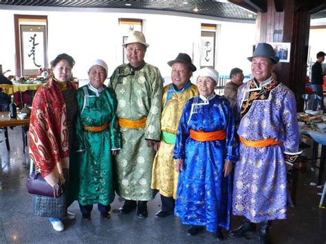 mongolian clothes native dress traditional outfits