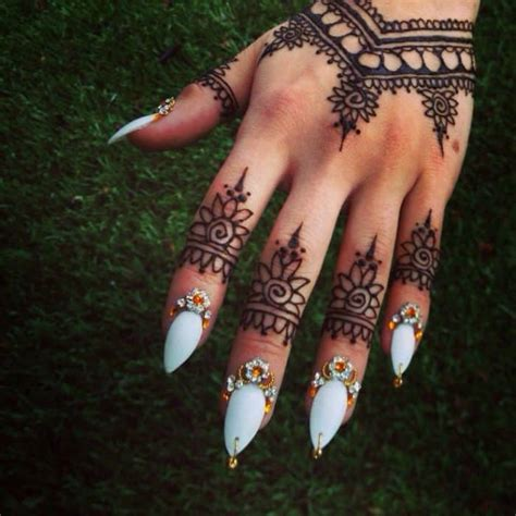 nail art with tattoo henna 30 stylish summer henna designs 2018 sheideas