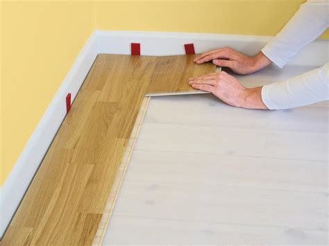 Click On Floors by How To Install Click Lock Laminate Flooring How Tos Diy