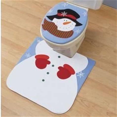 Amazon Com Snowman Christmas Holiday Toilet Rug Set Snowman Bathroom Accessories