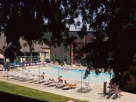 apartments quincy il country club heights apartments quincy il apartment finder
