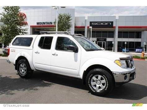 white nissan frontier 2008 avalanche white nissan frontier nismo crew cab 4x4