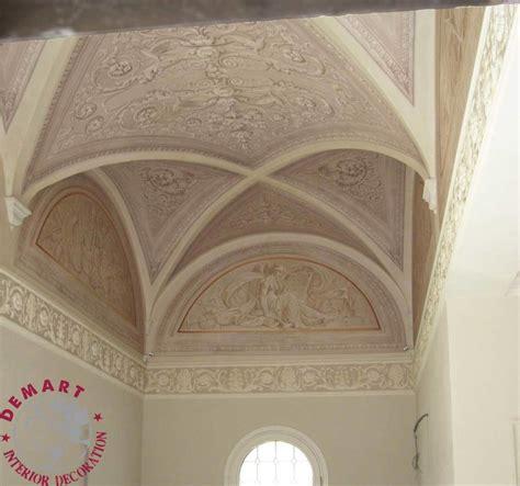 soffitto a volte decorazione pareti e soffitto per ingresso scala e camere