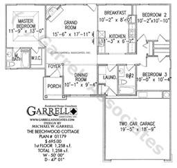 house plans with 3 master suites ranch style house plans with two master suites cottage