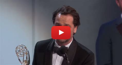 matthew rhys has won an emmy emmy awards 2018 matthew rhys surprises fans with accent