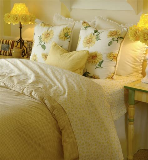 yellow bed pillows 50 decorative king and queen bed pillow arrangements