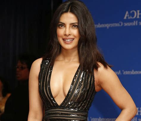 hollywood actress height in cm priyanka chopra movies hot pictures height weight body