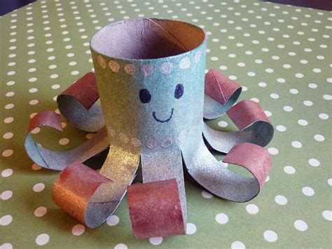 Crafts With Paper Towel Rolls - 25 best ideas about paper towel rolls on