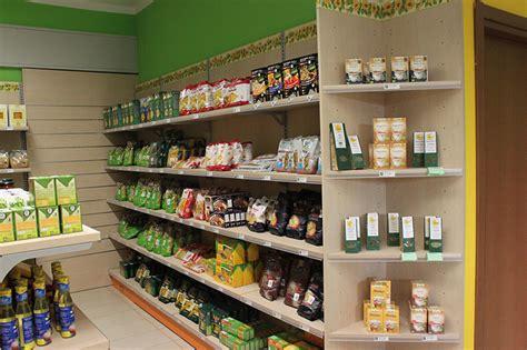 scaffali alimentari arredo negozio alimentare arredamento market alimenti como