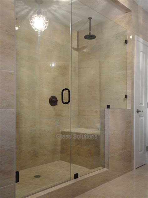 Shower Doors Orlando 25 Best Ideas About Bathroom Shower Doors On Pinterest Master Shower Small Bathroom Showers