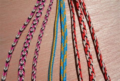 START HERE! 5 loop braids   Loop Braiding