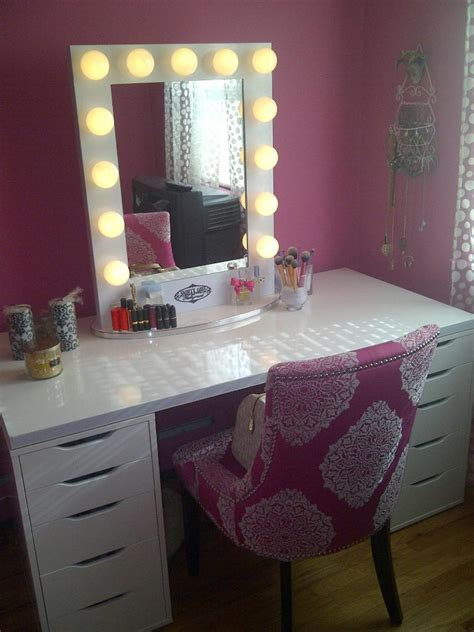 Mirror Lights Bedroom Bedroom Adorable Bedroom Vanity Mirror With Lights For Advanced Dressing Spot Chic Room Nuance