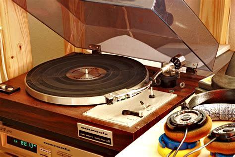 Turn Table that vinyl sound the marantz 6100 turntable w grado