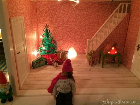 lundby doll house has christmas decorations
